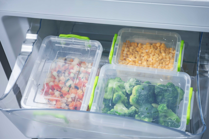 Mas qual é o jeito certo de guardar frutas e verduras na geladeira?