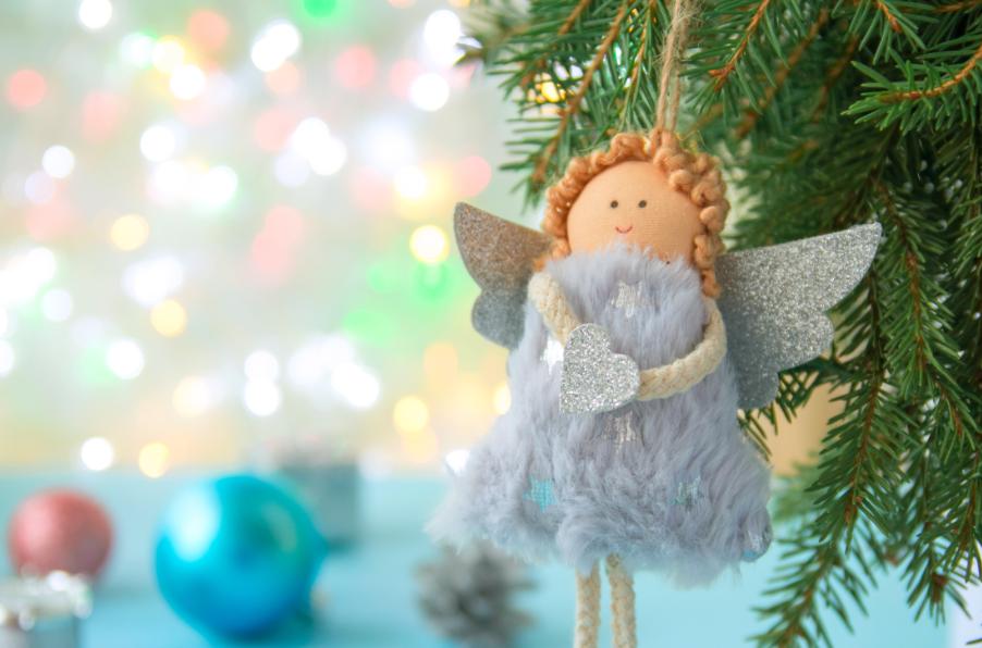Saiba como fazer uma decoração natalina gastando pouco