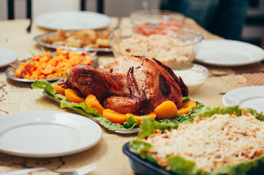Vai decorar a sua casa para o Natal ou ainda preparar a ceia na sua casa? Que tal descobrir como decorar a mesa de Natal aqui no Blog Reppara!?