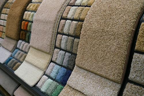 aprenda como limpar carpete e deixe sua casa mais bonita